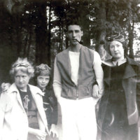 Wald_at-age-5-with-mother-uncle-n-aunt.jpg