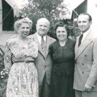 1_wolff_family_photo_1940.jpg