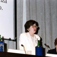 Wald_adressing-intl-women-judges-1994.jpg